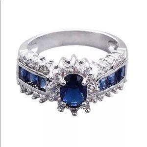 🐠2.35 Carat  Blue Sapphire White Sapphire in .925